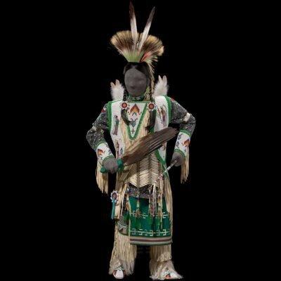 Mannequin dressed in Dakota Men's traditional dance regalia