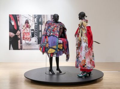 Two clothed mannequins in a gallery