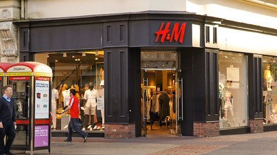Image of an H&M Storefront in Belfast