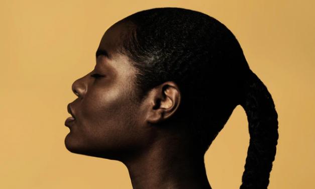 Fashioning Black Femininity