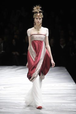 Image from Alexander McQueen Winter 2008 Collection