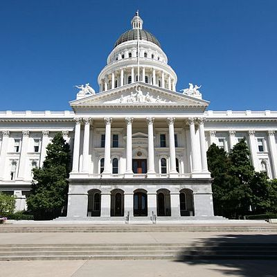 thumbnail image of California's state capitol building
